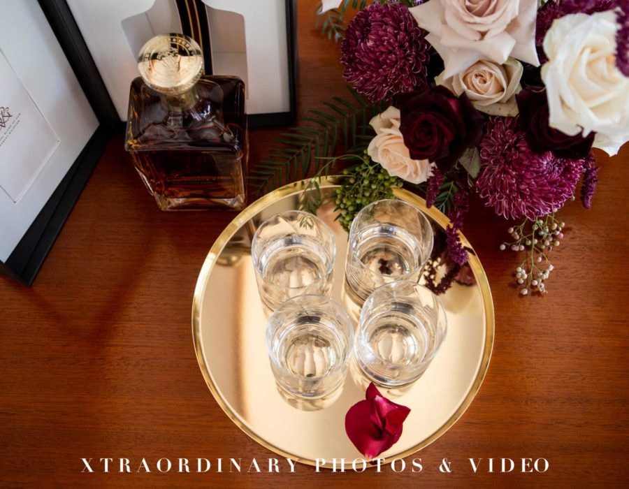 Xtraordinary Photos & Video 1076-4